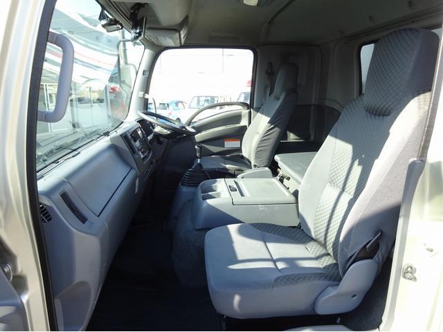 低温冷凍車 -30℃設定 左両開観音扉 リアエアサス ワイド ベッド付 2750kg積み 240馬力(48枚目)