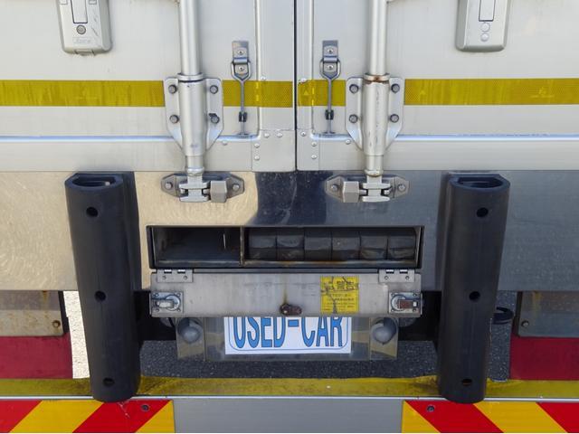 低温冷凍車 -30℃設定 左両開観音扉 リアエアサス ワイド ベッド付 2750kg積み 240馬力(65枚目)
