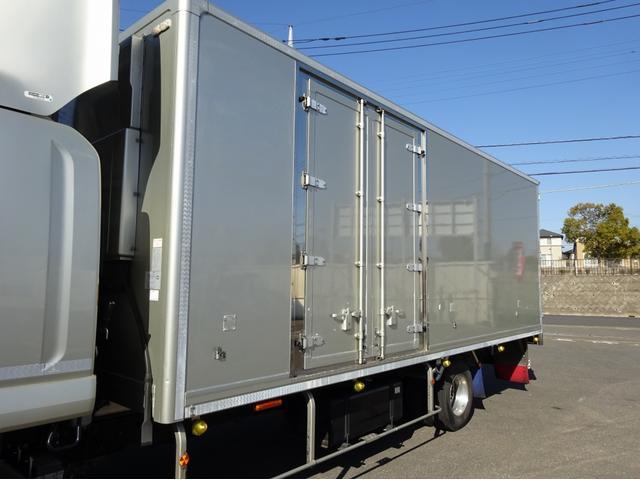 低温冷凍車 -30℃設定 左両開観音扉 リアエアサス ワイド ベッド付 2750kg積み 240馬力(71枚目)