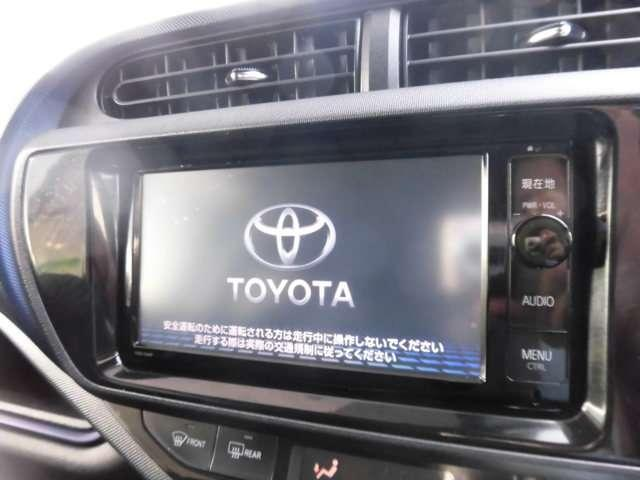 フルセグTV対応のトヨタ純正SDナビNSZN-W64Tです。