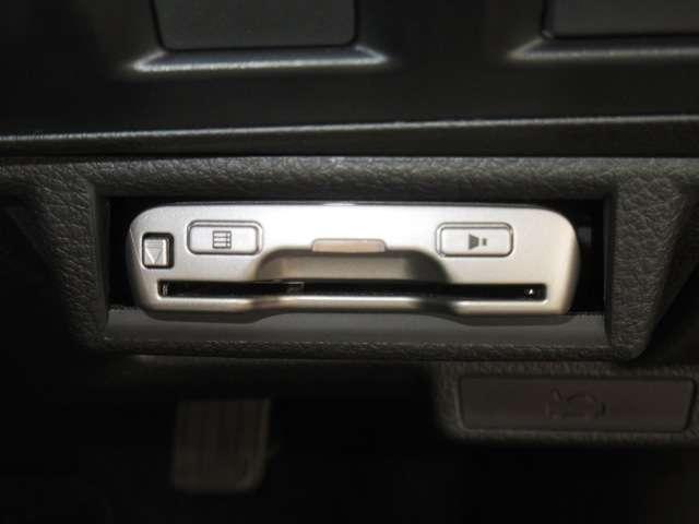 2.0 i アイサイト 4WD パイオニア製メモリーナビ E(4枚目)