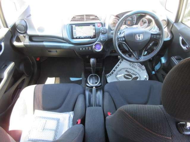 ホンダ フィットハイブリッド RS