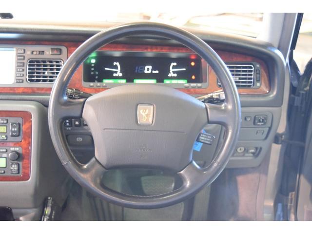 標準仕様車 デュアルEMVパッケージ 法人前オーナー グレーレザーシート リアシートリクライニング&マッサージ機能付 リアバニティーミラー キーレス ETC スペアキー 取説 新車時保証書有(3枚目)