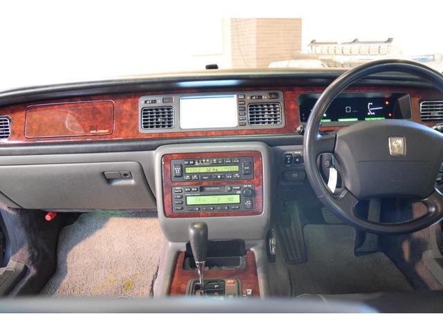 標準仕様車 デュアルEMVパッケージ 法人前オーナー グレーレザーシート リアシートリクライニング&マッサージ機能付 リアバニティーミラー キーレス ETC スペアキー 取説 新車時保証書有(4枚目)