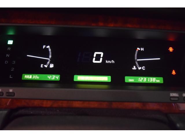 標準仕様車 デュアルEMVパッケージ 法人前オーナー グレーレザーシート リアシートリクライニング&マッサージ機能付 リアバニティーミラー キーレス ETC スペアキー 取説 新車時保証書有(23枚目)