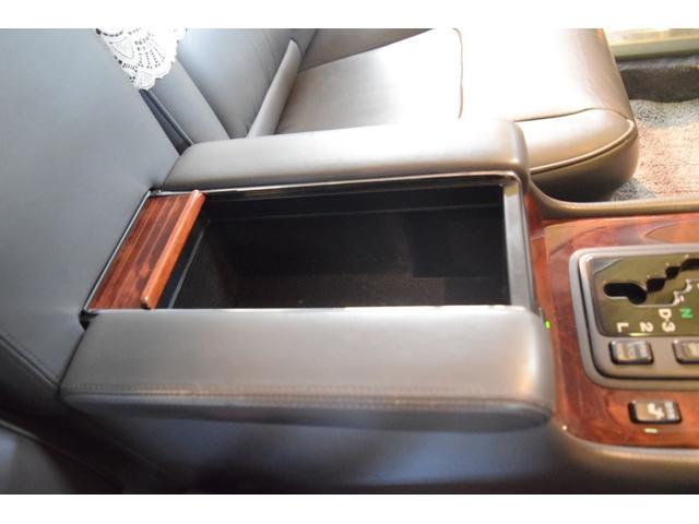 標準仕様車 デュアルEMVパッケージ 法人前オーナー グレーレザーシート リアシートリクライニング&マッサージ機能付 リアバニティーミラー キーレス ETC スペアキー 取説 新車時保証書有(28枚目)