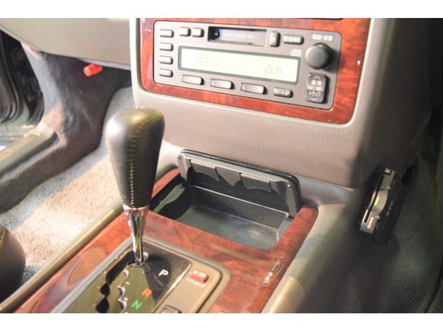 標準仕様車 デュアルEMVパッケージ 法人前オーナー グレーレザーシート リアシートリクライニング&マッサージ機能付 リアバニティーミラー キーレス ETC スペアキー 取説 新車時保証書有(30枚目)