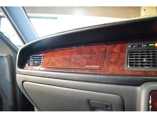標準仕様車 デュアルEMVパッケージ 法人前オーナー グレーレザーシート リアシートリクライニング&マッサージ機能付 リアバニティーミラー キーレス ETC スペアキー 取説 新車時保証書有(31枚目)