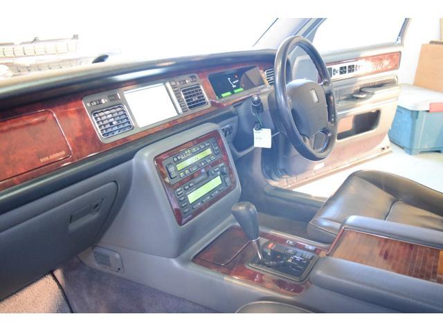 標準仕様車 デュアルEMVパッケージ 法人前オーナー グレーレザーシート リアシートリクライニング&マッサージ機能付 リアバニティーミラー キーレス ETC スペアキー 取説 新車時保証書有(38枚目)