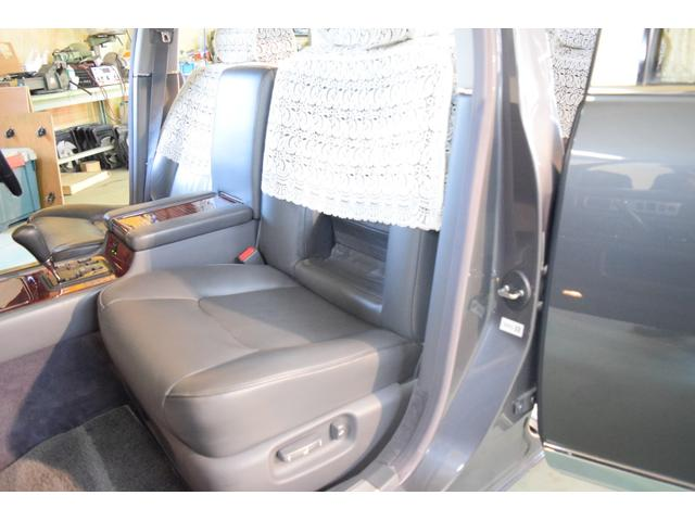 標準仕様車 デュアルEMVパッケージ 法人前オーナー グレーレザーシート リアシートリクライニング&マッサージ機能付 リアバニティーミラー キーレス ETC スペアキー 取説 新車時保証書有(41枚目)