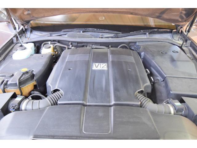 標準仕様車 デュアルEMVパッケージ 法人前オーナー グレーレザーシート リアシートリクライニング&マッサージ機能付 リアバニティーミラー キーレス ETC スペアキー 取説 新車時保証書有(71枚目)