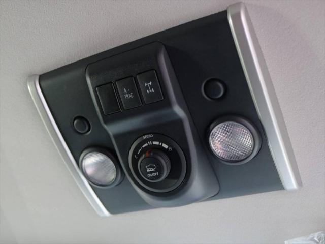 トヨタ FJクルーザー 4.0 オフロードパッケージ 4WD 希少色