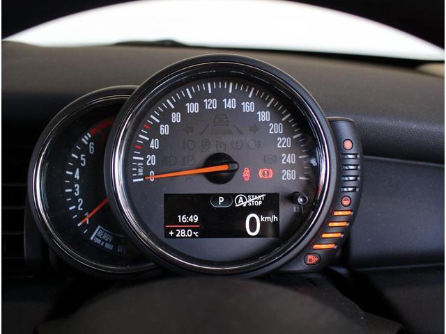 ワン 認定中古車 1オーナー ナビPKG ルーフステッカー 15インチAW ETC(10枚目)
