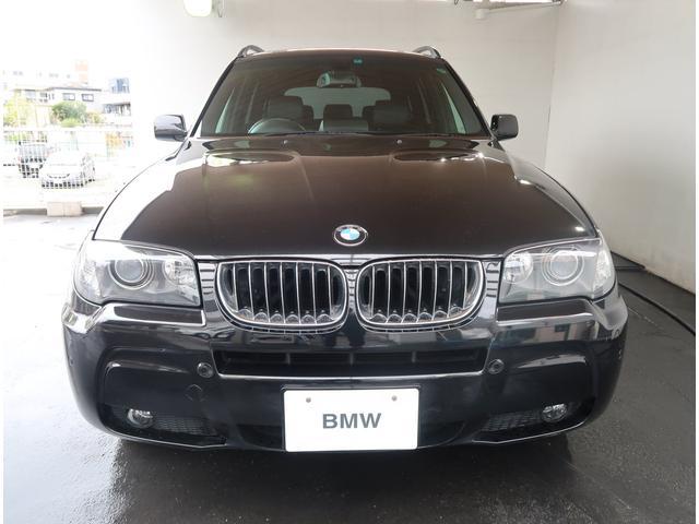 BMW X3のボディサイズは全長4565mm、全幅1855mm、全高1675mmとなっております。