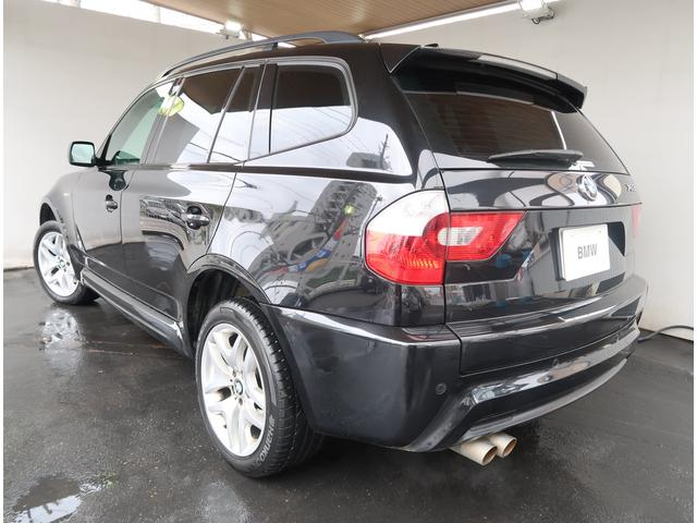 スポーツ・アクティビティ・ビークル(SAV)と呼ばれる、BMW X5をコンパクトにしたプレミアムSAVとして生まれたBMW X3
