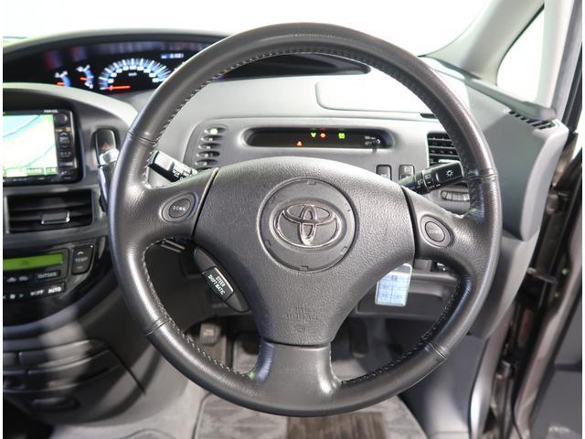 スタイリッシュでとってもかっこいいです。気になる方、必見! 大事なハンドル周り!とってもフッィトしやすく、運転しやすいお車です。 無料で試乗できますので、お気軽に、このハンドルを握りに来てください!