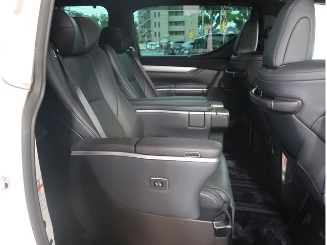 抗菌・消臭・防汚にピッタリ!!専用のオゾン除菌・消臭もオススメです!専門機器や専門業者様によって車内をクリーンに保つことができます!