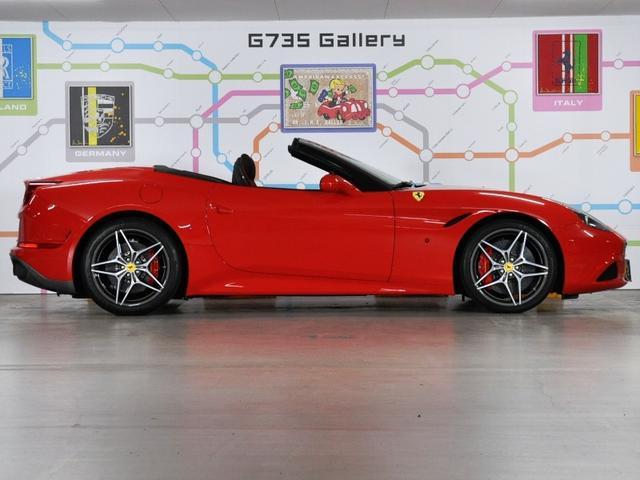フェラーリ フェラーリ カリフォルニアT OP8310000分 ハンドリングスペチアーレ 2トーン