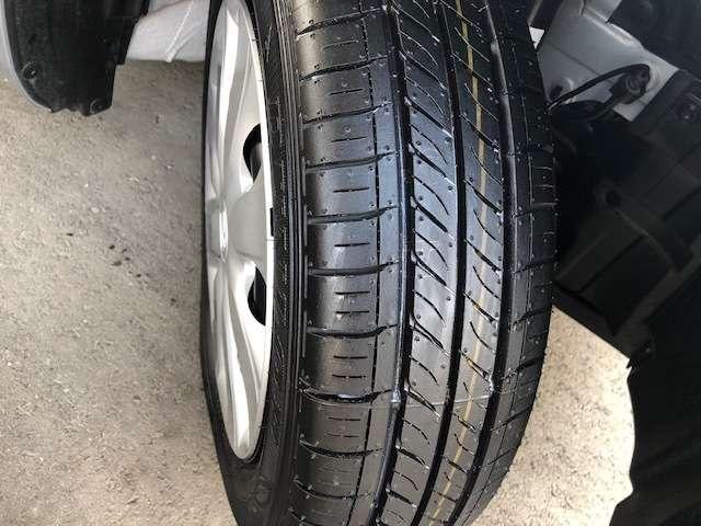 タイヤの状態も良好です。そのほかお好きなタイヤへの履き替えやスタットレスタイヤのご相談も当店にお任せくださいませ。