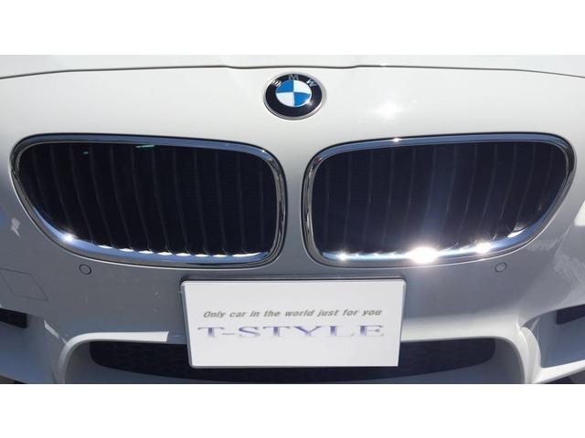 BMW BMW M5 サンルーフ 20インチアルミ