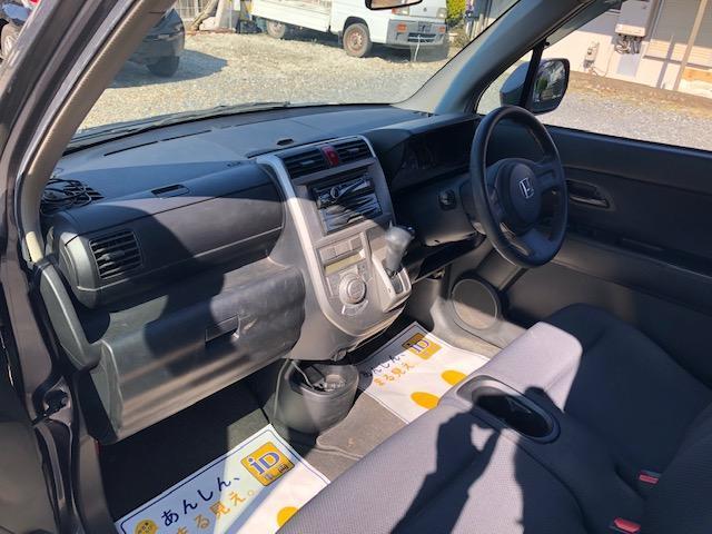 スポーツG 4WD ETC キーレス 社外オーディオ(17枚目)