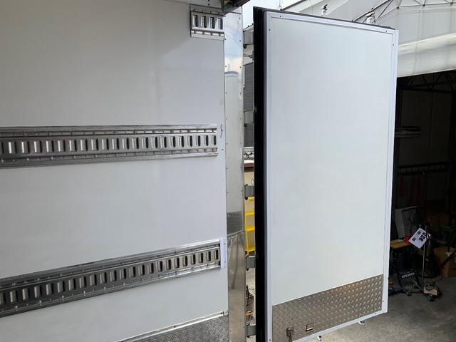 3軸高床・総輪エアサス・T型キーストン・ジョロダー冷凍車(10枚目)