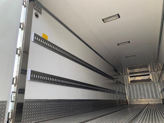 3軸高床・総輪エアサス・T型キーストン・ジョロダー冷凍車(13枚目)