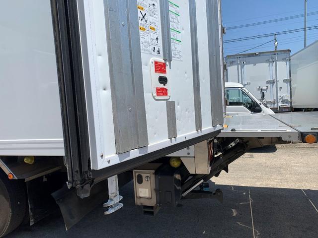 エアサス格納ゲート付冷蔵冷凍車(6枚目)
