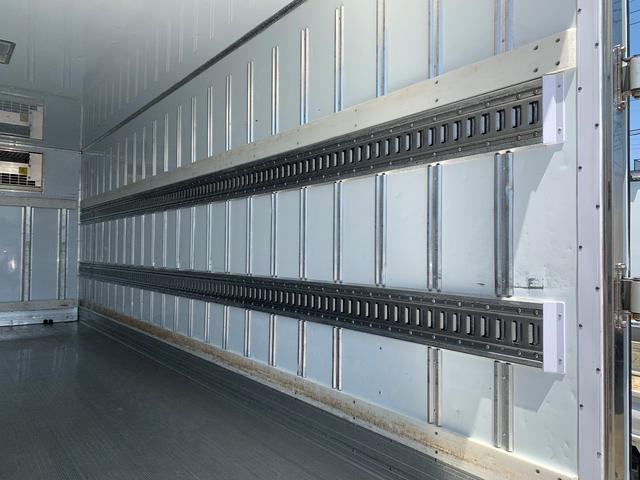 エアサス格納ゲート付冷蔵冷凍車(9枚目)