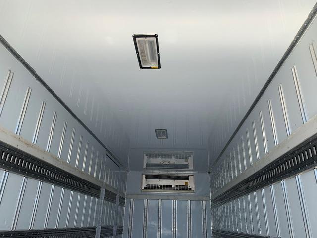 エアサス格納ゲート付冷蔵冷凍車(11枚目)