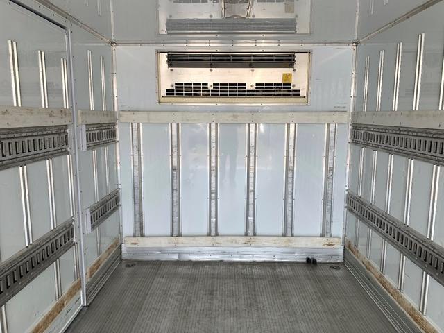 エアサス格納ゲート付冷蔵冷凍車(12枚目)