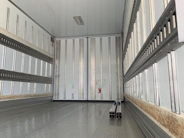 エアサス格納ゲート付冷蔵冷凍車(14枚目)