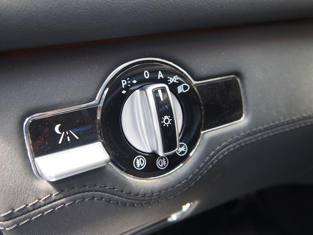 ツマミタイプのライトスイッチ、さすがドイツ車♪