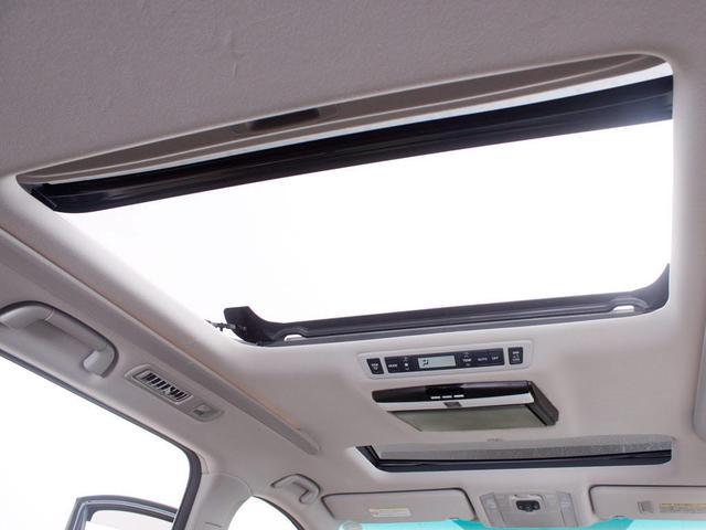 2.4Z ゴールデンアイズII 禁煙 サンルーフ 両側自動スライドドア 専用ハーフレザー パワーバックドア HDDナビ コンビハンドル DVD フルセグ地デジ(3枚目)