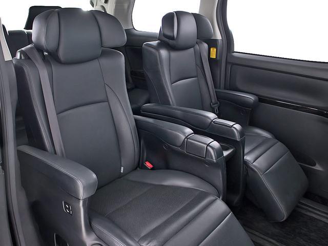 240S Cパッケージ 禁煙 黒本革シート エグゼクティブシート 両側自動スライドドア パワーバックドア クリアランスソナー シートヒーター コンビハンドル HDDナビ フルセグ対応 18インチアルミ DVD再生(17枚目)