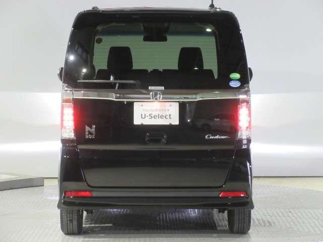 G SSブラックスタイルパッケージ ブラックパールで走行距離の少ないカスタムをお探しの方にお勧め! 2年保証 ワンオーナー車 走行6千キロ ホンダ純正ギャザズメモリーナビ 両側電動スライドドア ドアバイザー リアカメラ ETC(9枚目)