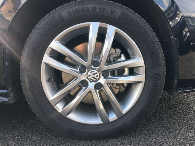 フォルクスワーゲン VW ゴルフトゥーラン R-Line