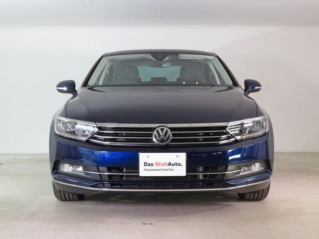 新車時オプション設定¥259200 『Volkswagen純正ナビゲーションシステム』『リアビューカメラ』『ETC』が装着されております。参考価格、年式により価格、標準装備に変更された場合も御座います