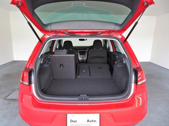 セカンドシートは利便性に優れる分割となっており、倒し込んでお使い頂きますと、たくさんの荷物が載せられます。VW杉並Uカーフリーダイアル:0066-9705-1084