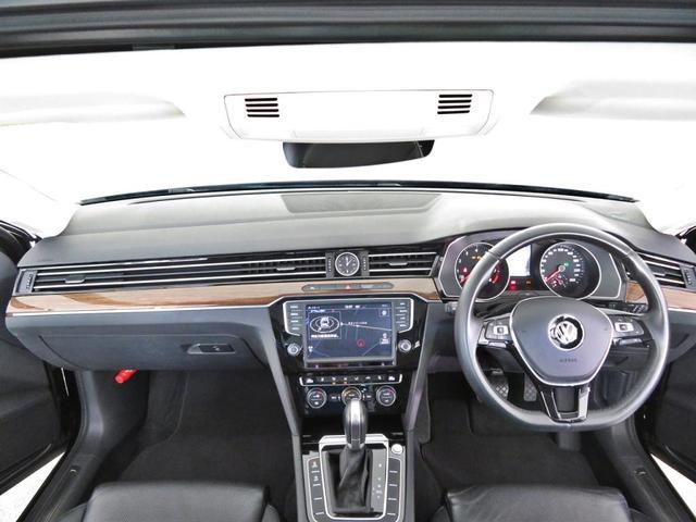 新車時オプション設定の『Volkswagen純正ナビゲーションシステム』・『リアビューカメラ』・『ETC』が装着されております。