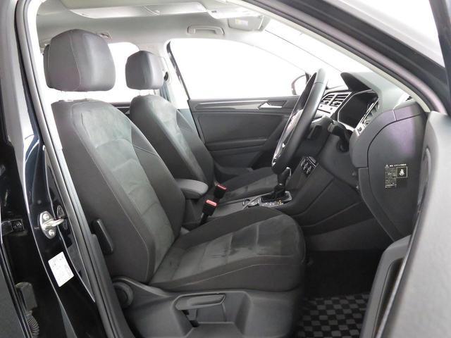 SUVモデルならではの広々としたラゲージスペースです。