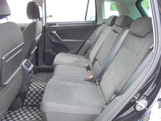 後席左右にも「シートヒーター」機能が標準装備されております。
