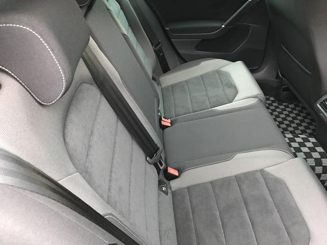 ★後席は60:40の割合で別々に倒すこともできるので、積み荷の大きさや形状に合わせた多彩なアレンジも可能です。