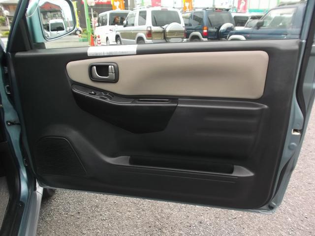 VR ワンオーナー車 CDコンポ 4WD キーレス(13枚目)