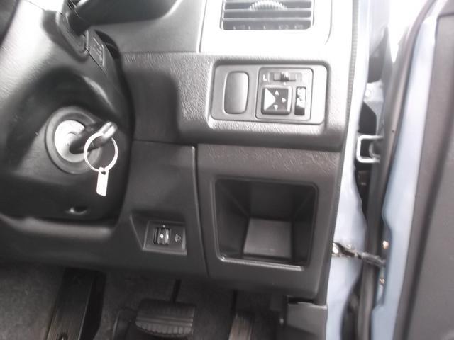 VR ワンオーナー車 CDコンポ 4WD キーレス(18枚目)