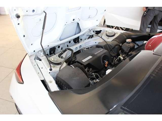 当社の優秀なスタッフがしっかり点検整備をさせていただいてからご納車いたします!さらに!エンジンオイル、エレメント、ミッションオイル、ワイパーゴムを新品交換させて頂いています!安心してお乗り頂けます!