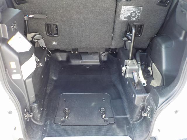 車いす格納スペースが狭いので、
