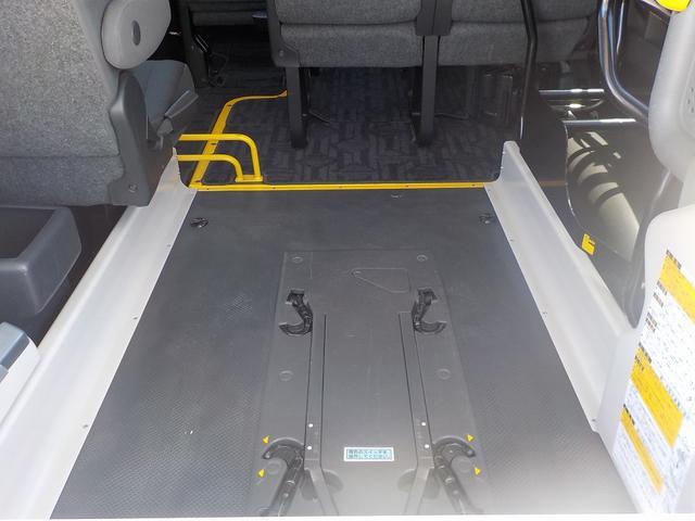 福祉車両 Cタイプ 車いす1脚仕様 自動ドア 純正Bカメラ(12枚目)