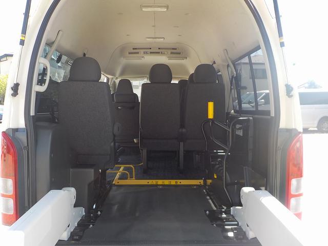 福祉車両 Cタイプ 車いす1脚仕様 自動ドア 純正Bカメラ(15枚目)
