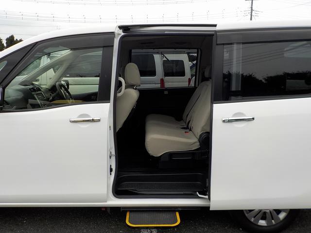 福祉車両 車いす1基 リアリフト仕様 4WD 電動固定(19枚目)